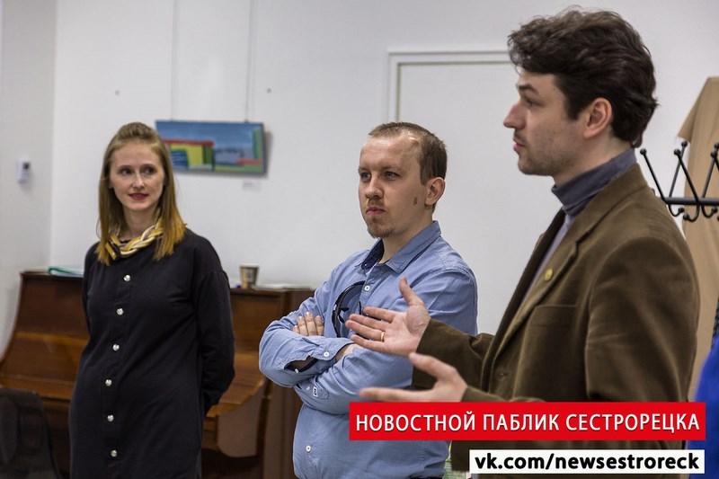 В Сестрорецке открылась выставка «Парижский взгляд на Петербург»