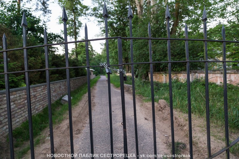 На Садовой улице убрали самовольные ворота
