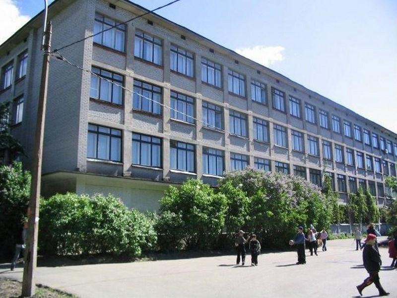 Пенсионерка из хулиганских побуждений сообщила о минировании школы в Сестрорецке